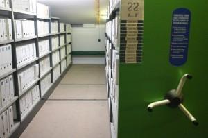 Magasins du service des archives du Centre Pompidou. Photographie : Jean-Philippe Bonilli